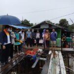 Gubernur Isdianto Tinjau Korban Bencana Alam di Kota Batam