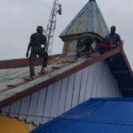 Rehab Gereja, Prajurit TNI Buat Nyaman Beribadah Masyarakat Papua