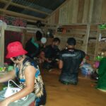 Pasukan TNI sigap bahu membahu bantu Warga terdampak Banjir