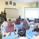 Pelajar Natuna Antusias Danlanud RSA Terangkan Sekolah SMA Pradita Dirgantara