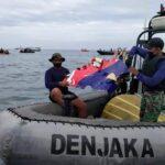 Tim SAR Gabungan Dari Denjaka Tumukan Serpihan Pesawat Sriwijaya Air