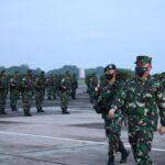 Asops Panglima TNI Berangkatkan450 Pasukan Yonif Para Raider Ke Papua