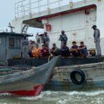 Bakamla RI Gagalkan Transfer BBM Ilegal di Perairan Kepri