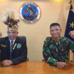 Hadiah Spesial Mars Pemuda Adat Papua dari Danlanud Silas Papare