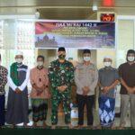 Peringati Isra Mi'raj 1442 H di Papua, TNI Bagikan Al-Qur'an dan Perlengkapan Sholat