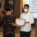 Rudi-Amsakar Mendapat Penghargaan Insan Peduli Zakat, Walikota: Alhamdulilah