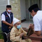 Sowan ke Kiai Zubair Muntashor, Menko Luhut Bersama Gubernur Jatim