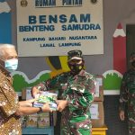 Kampung Bahari Nusantara Binaan Lanal Lampung Terima Buku Bacaan