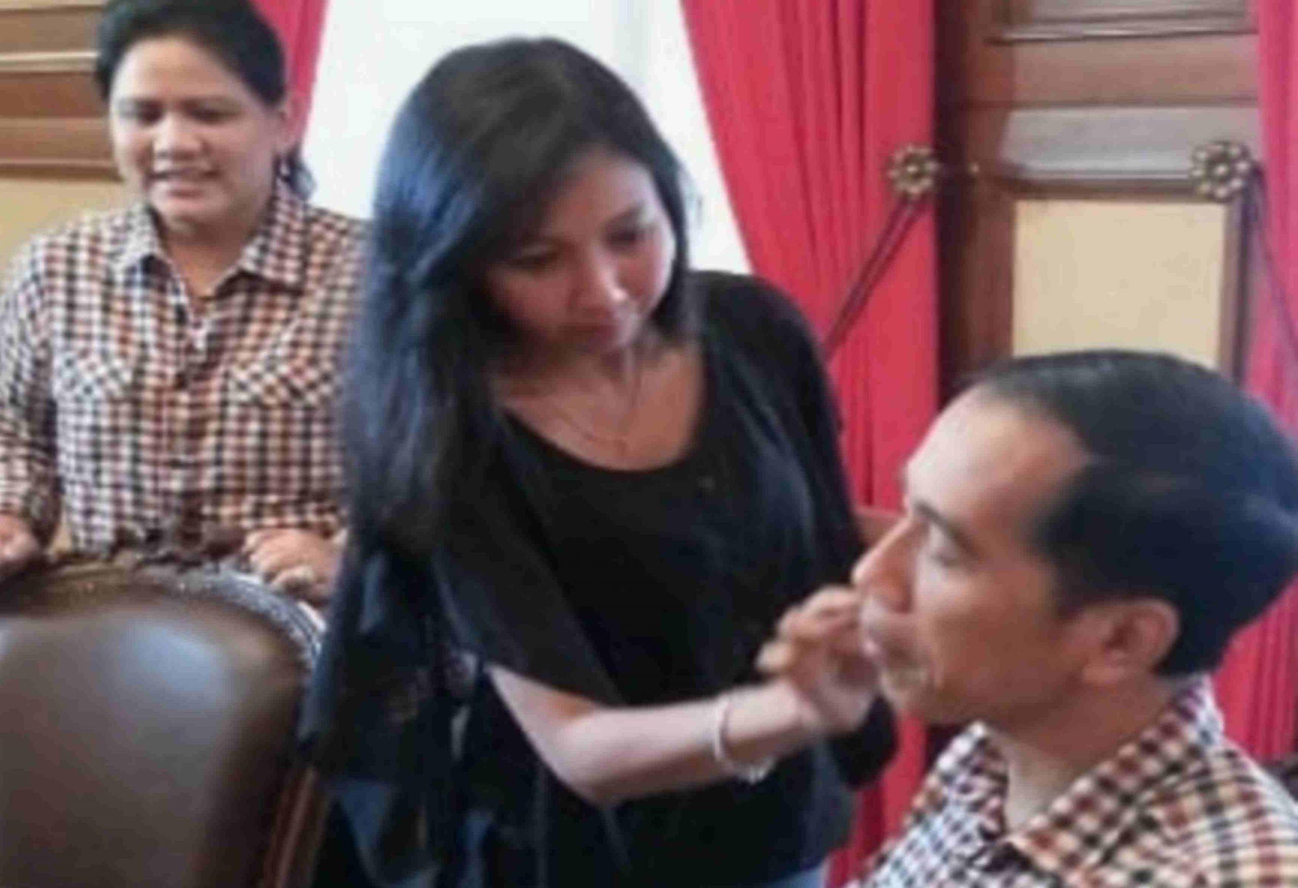 Triwinarsih berapa tahun lalu saat makeup sosok pemimpin indonesia