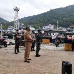 Bupati Abdul Haris Pantau Penerapan Prokes Covid-19 di Pelabuhan Tarempa