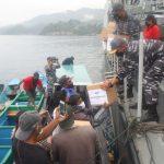 KRI Hiu-634 Satkat Koarmada II Laksanakan Bhakti Sosial Di Bitung