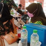 Masyarakat Bawean Serbu Pos Serbuan Vaksin TNI AL Koarmada II Di Hari Ke Dua