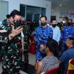 Marsdya TNI Imran Baidirus Pangkogabwilhan II Tinjau Vaksinasi Massal Di Berau